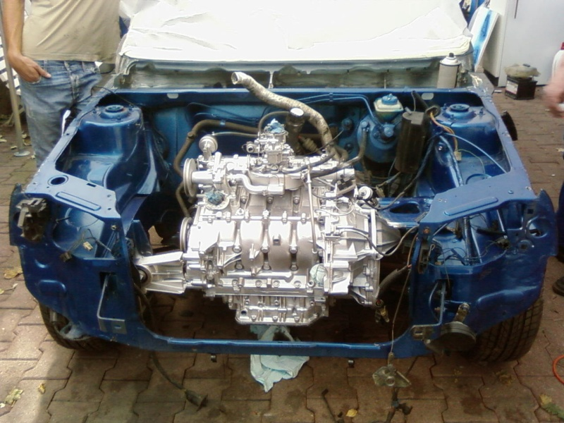Bleue commencement de l 39 interieur peugeot 205 for Interieur 205