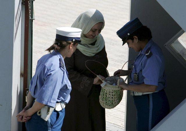 صور الشرطة الجزائرية ربي يحفظكم f8666210.jpg