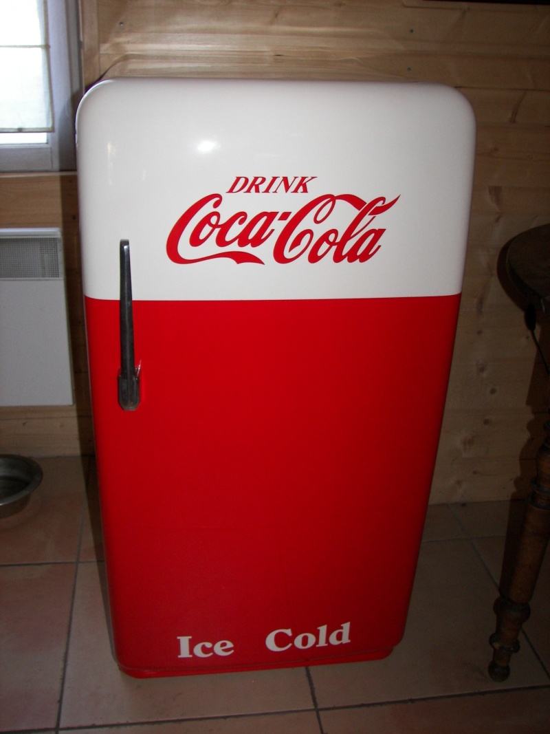 Meuble frigo coca cola les cr ations dannelise for Frigo coca cola grande