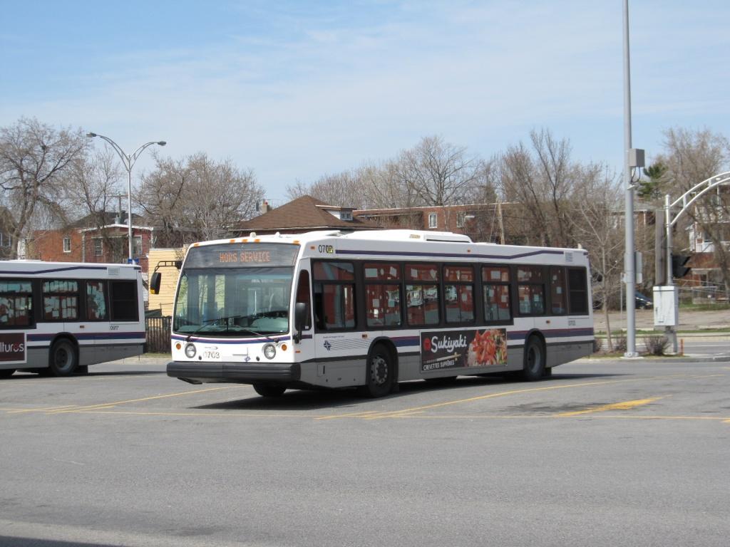 Metrodemontreal voir le sujet les bus vus par la lentille