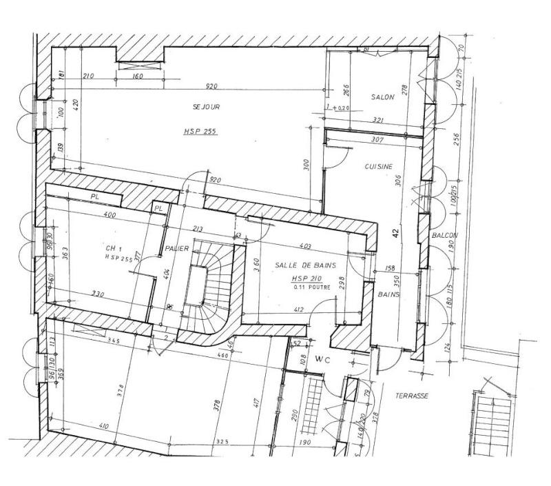 disposition d 39 une salle de bain avec 3 portes et acc s aux toilettes. Black Bedroom Furniture Sets. Home Design Ideas