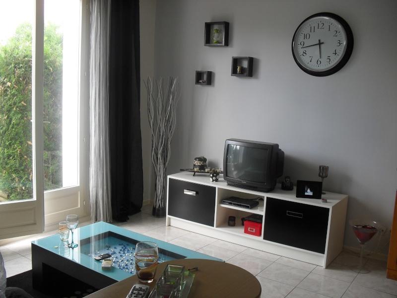 meubles salle de bain fait maison images. Black Bedroom Furniture Sets. Home Design Ideas
