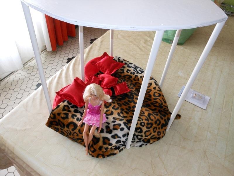 mobilier le lit coeur ou lit coquin. Black Bedroom Furniture Sets. Home Design Ideas