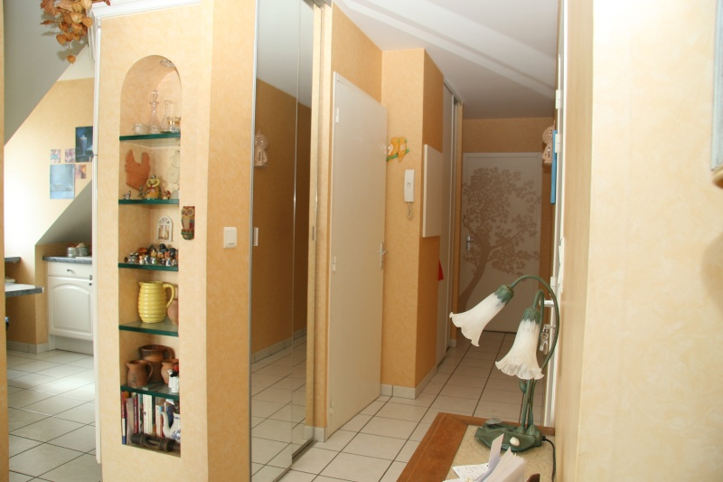 Cuisine sejour salon entree ouverts quelle plaie pour la for Peindre une entree et un couloir