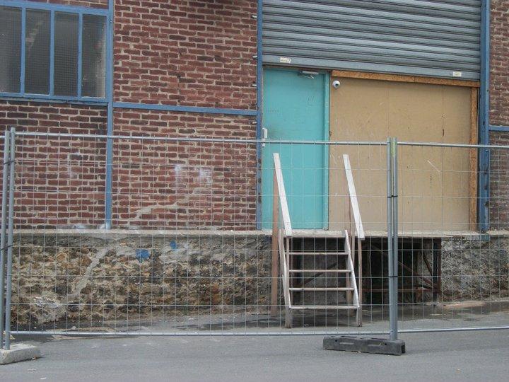 De nouvelles photos de l 39 ext rieur de la maison des secrets en construction 20 06 11 secret - Le jardin secret streaming ...