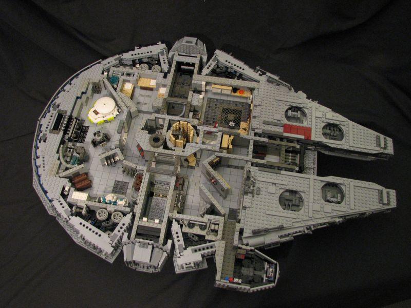Lego 10179 ucs faucon millenium for Interieur faucon millenium