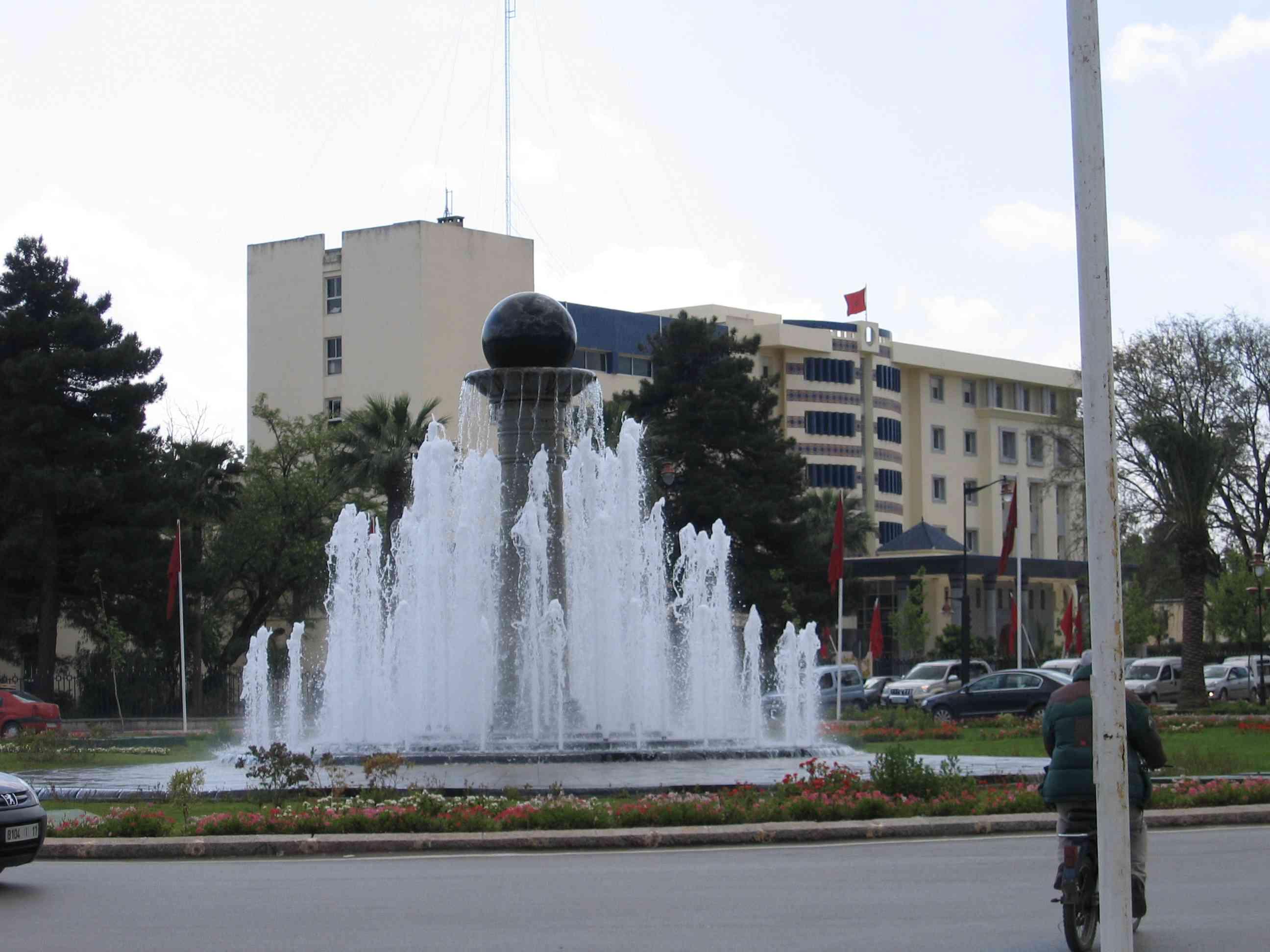 http://i21.servimg.com/u/f21/17/27/77/35/maroc_10.jpg