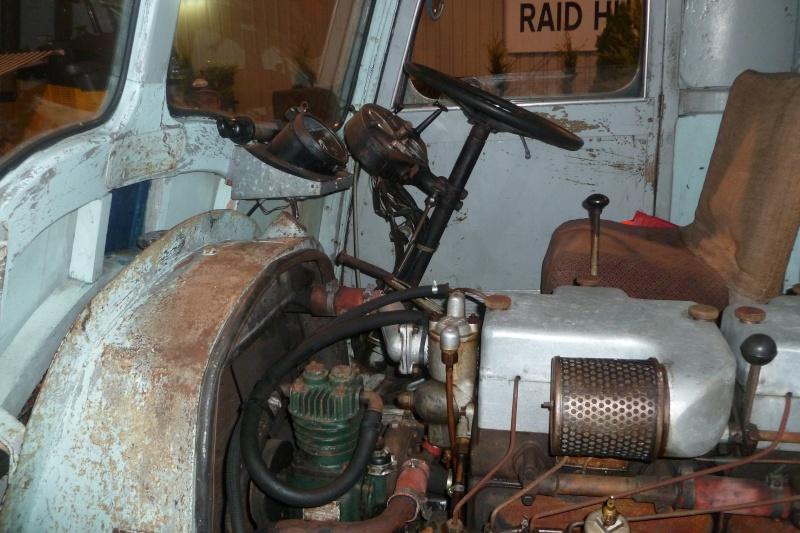 Interieur de cabine d 39 anciens camions for Camion americain interieur cabine