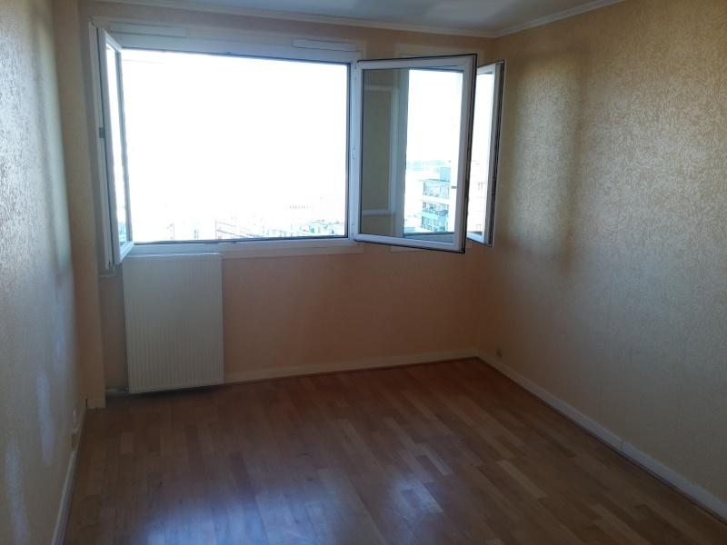 potrapio1 nouvel appartement o tout est refaire. Black Bedroom Furniture Sets. Home Design Ideas
