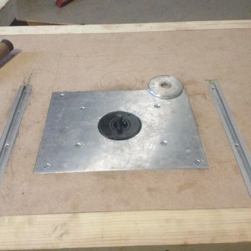 Id e de projet table d fonceuse scie circulaire scie sauteuse - Fabriquer une scie circulaire sur table ...