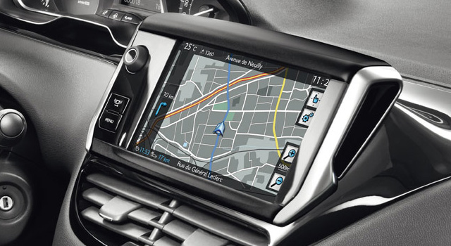 PEUGEOT 208 FELINE mise a jour GPS