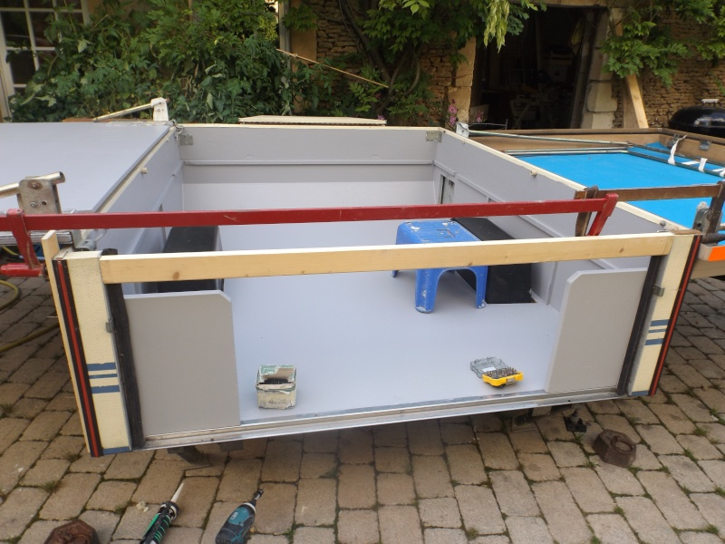 renovation caravane pliante bx37 montrealeast. Black Bedroom Furniture Sets. Home Design Ideas