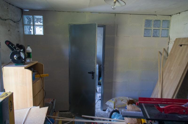 Monter un mur en b ton cellulaire avec une porte for Monter un mur en beton cellulaire exterieur